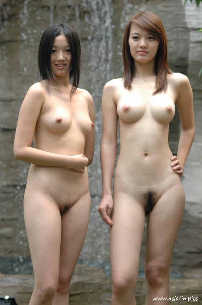 Nackt chinesinen Nackte Frauen