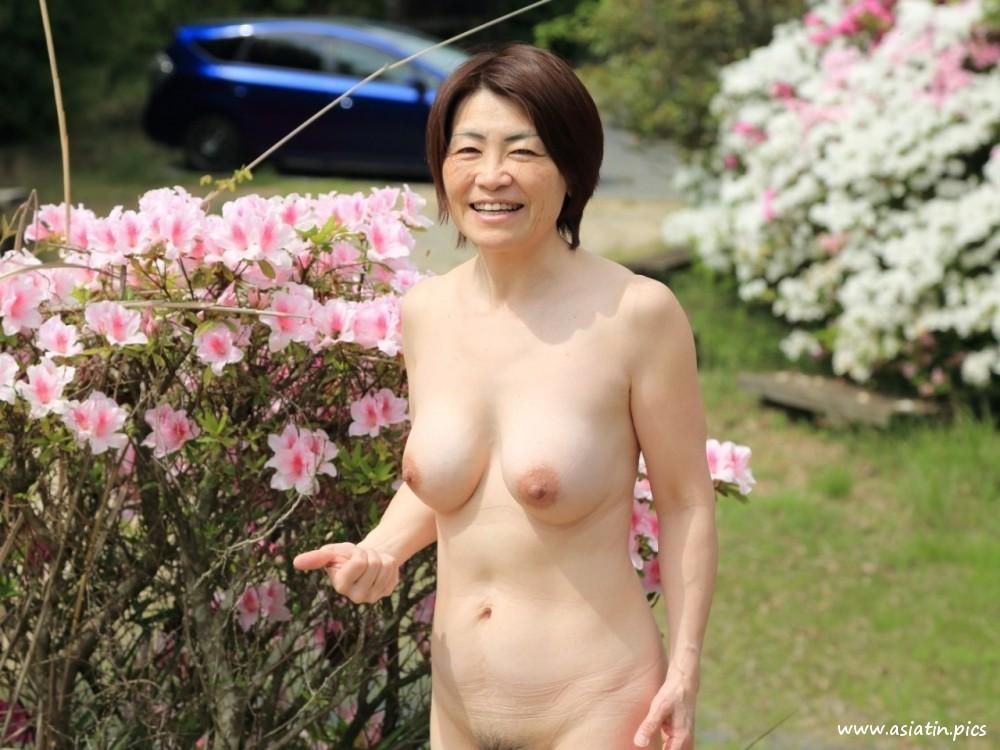 Asian mature sex pics, women porn photos