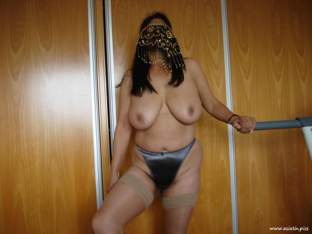 Mit kopftuch nackt türkin Neueste kopftuch