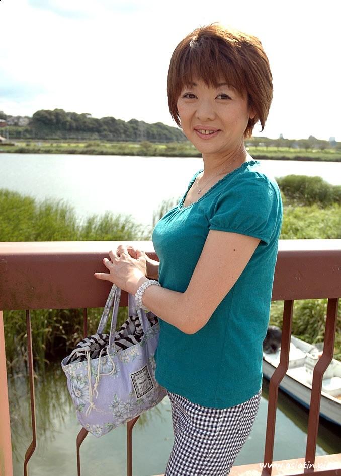 Yuko reife Schlitz Muschi nackt - Nacktbilder von Asiatinnen